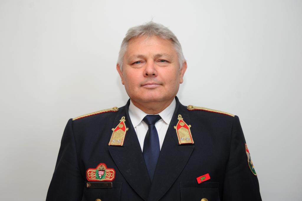 Gáncsos László